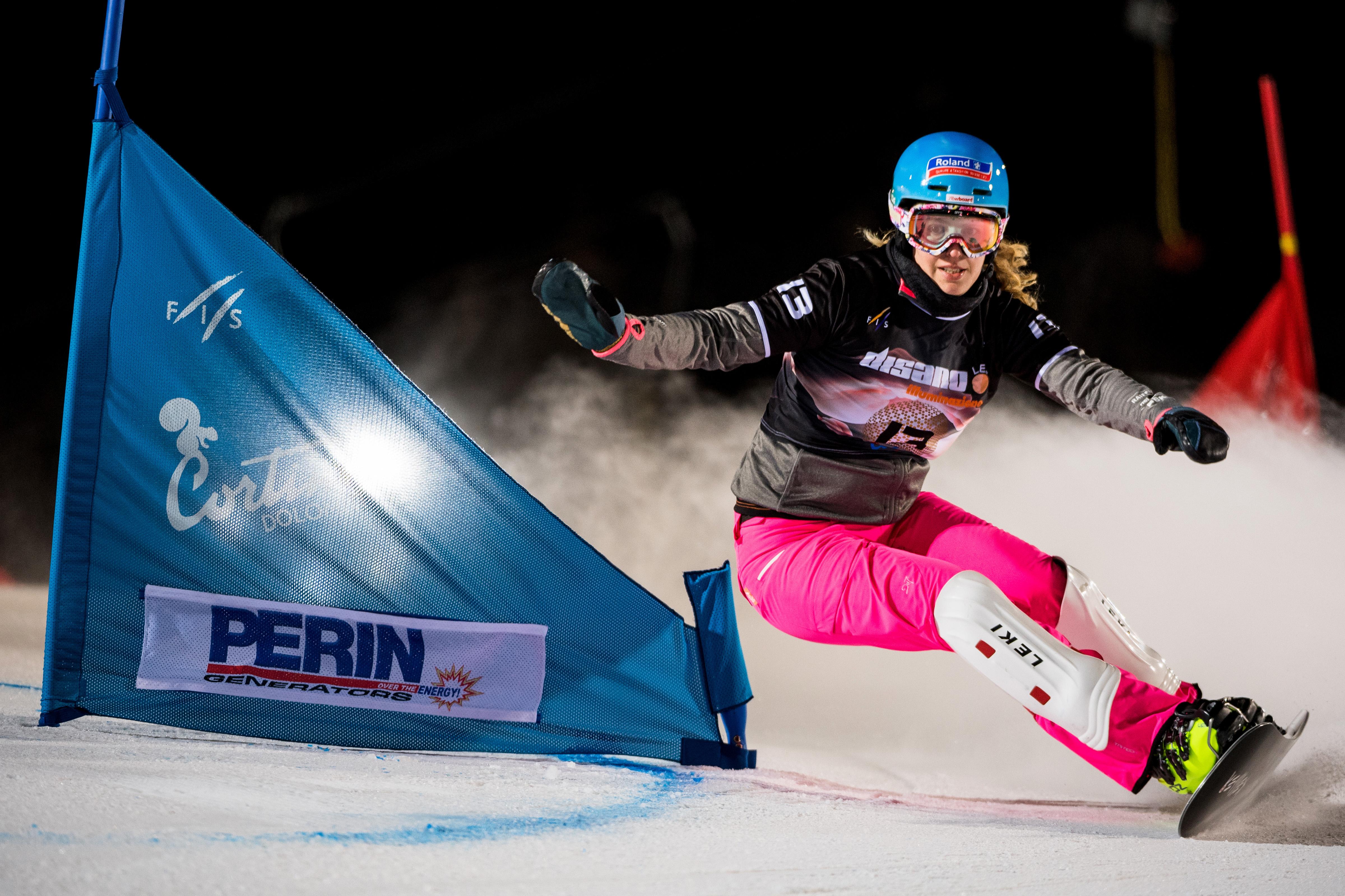 Patrizia Kummer erreicht beim Weltcup Parallel Slalom in Cortina d'Ampezzo im Dezember 2016 auf den 14. Schlussrang.