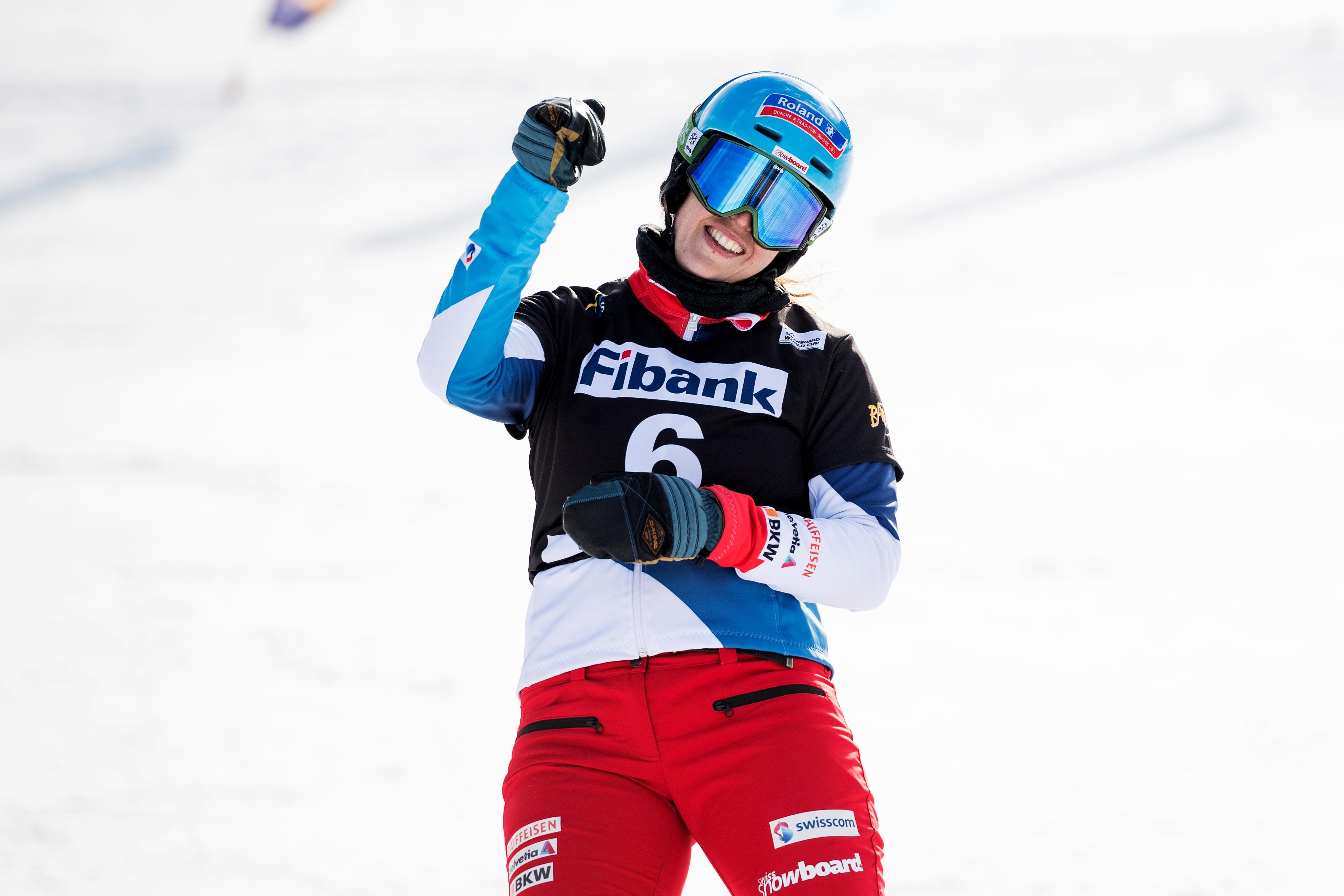 Patrizia Kummer jubelt über ihren Weltcupsieg im Parallel Riesenslalom von Bansko Anfangs Februar 2017.
