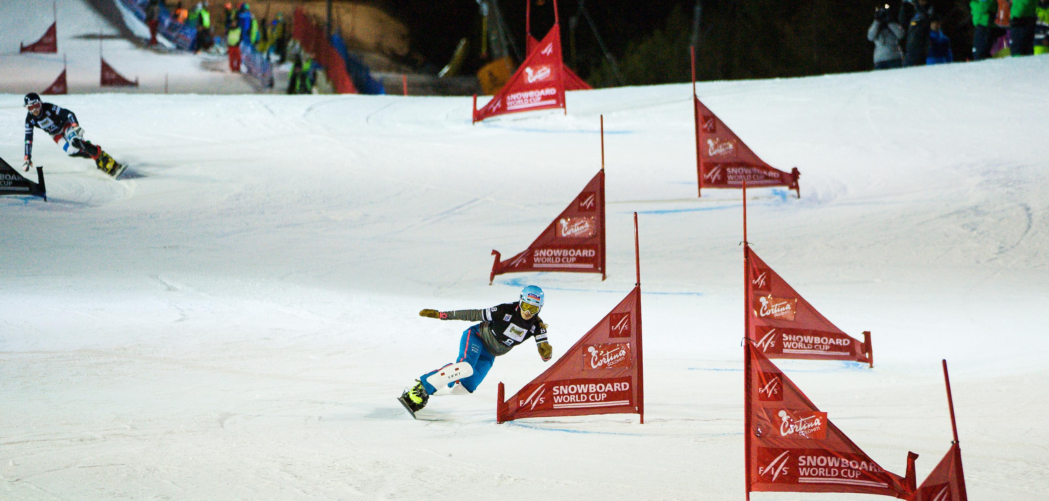Patrizia Kummer fährt mit grossem Vorsprung im Dezember 2016 in Cortina d'Ampezzo ins Ziel und gewinnt einen weiteren Weltcup.