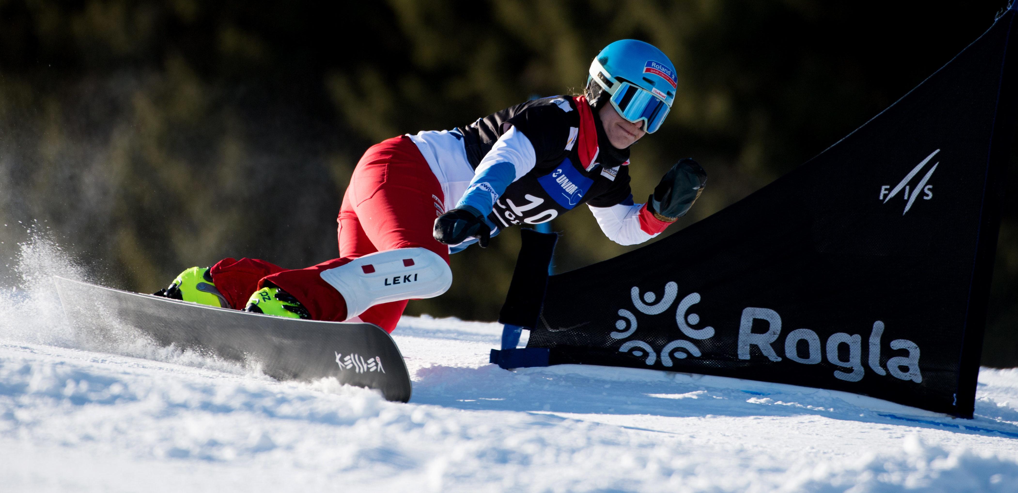 Patrizia Kummer wird vom FIS Fotografen Miha Matavz bei m Weltcuprennen in Rogla, Slovenien, abgelichtet.