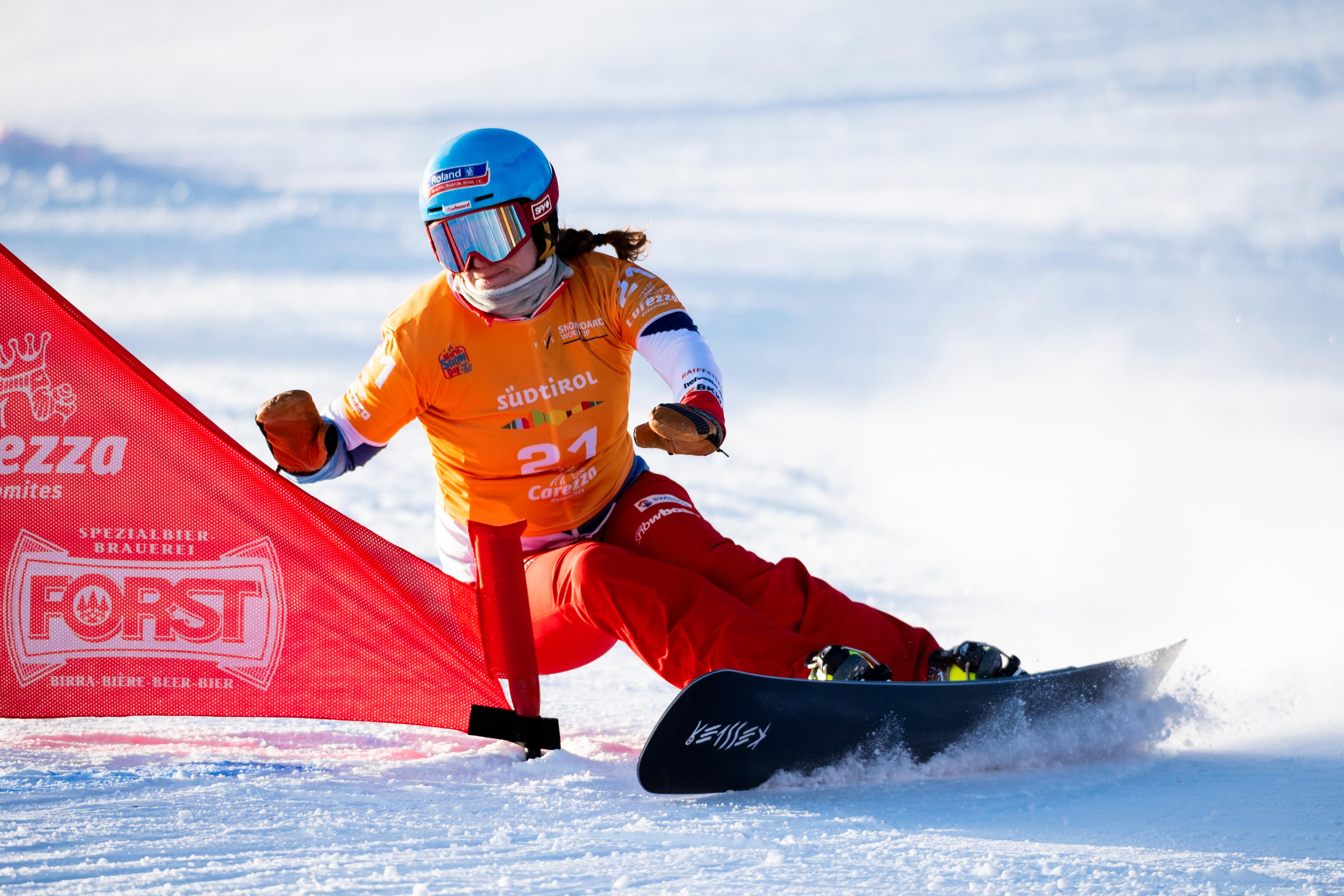 FIS Snowboard World Cup - Carezza ITA - PGS - KUMMER Patrizia SUI © Miha Matavz